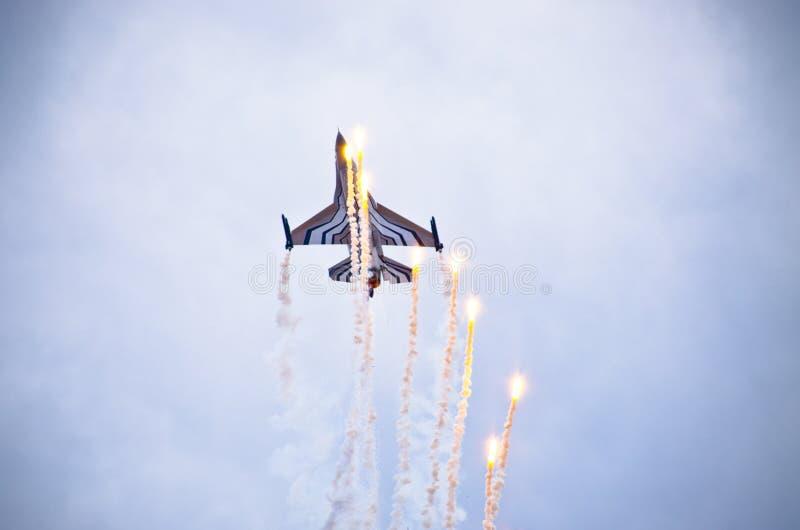 Belgisk figter F-16 på Radom Airshow, Polen royaltyfri bild