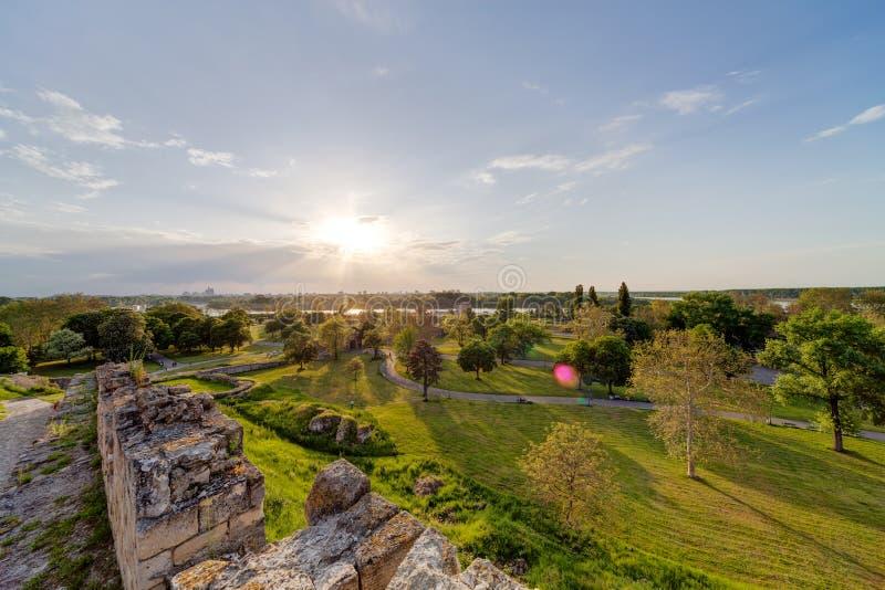Belgrad-Festung und Kalemegdan-Park lizenzfreie stockbilder