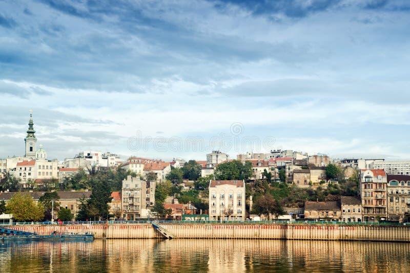 Belgrade stad över Savaet River royaltyfri fotografi