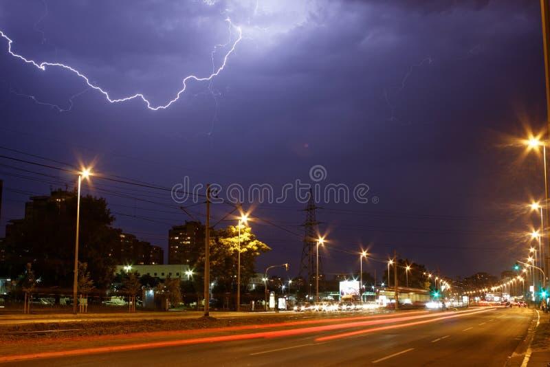 Belgrado met bliksem stock fotografie