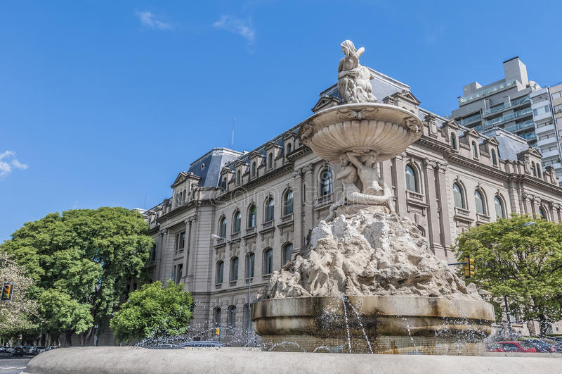 Belgrano aveny i Rosario, Argentina royaltyfri bild