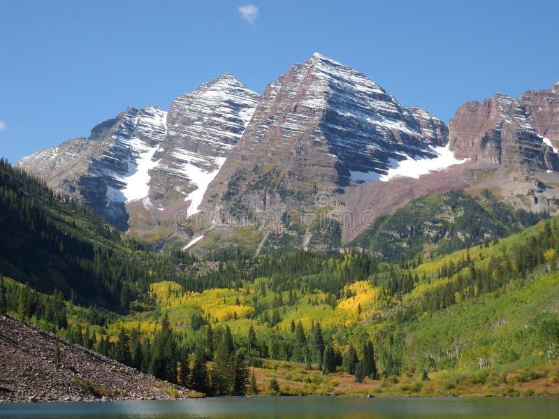 Belhi marrone rossiccio, montagna, lago, Aspen, Co fotografie stock libere da diritti