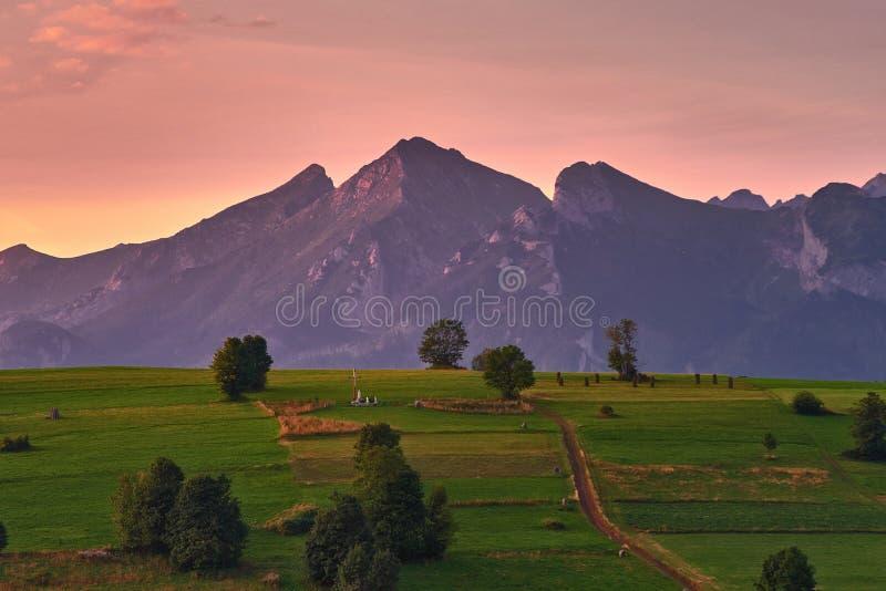 Belianske Tatry bij zonsopgang stock fotografie
