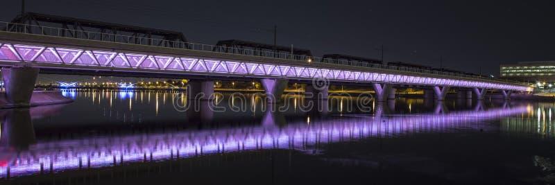 Belichtete Brücke lizenzfreie stockbilder