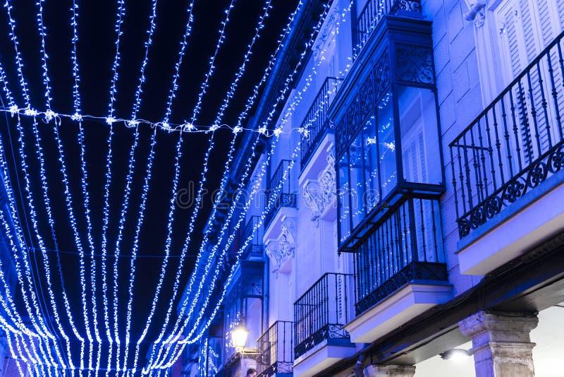 Blaue Weihnachtsbeleuchtung.Boulevard Setzt Weiße Häuser Der Palmen Fuerteventura Auf Die Bank