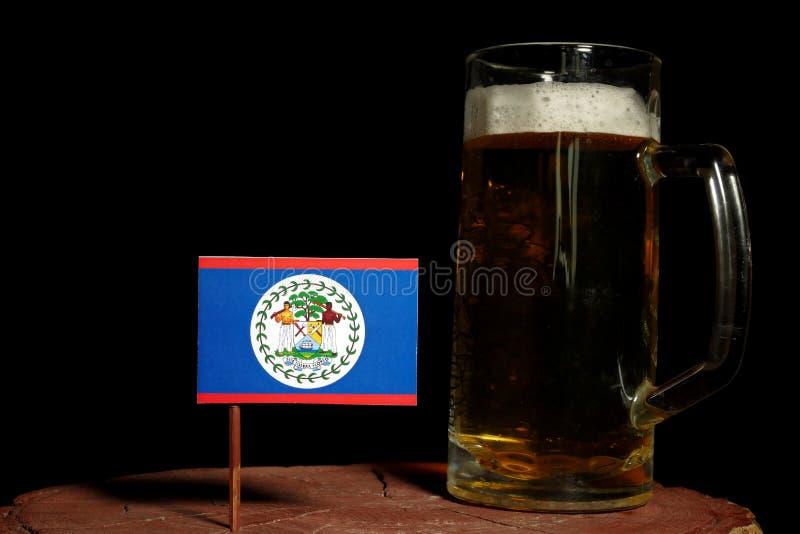 Download Belize-Flagge Mit Dem Bierkrug Lokalisiert Auf Schwarzem Stockbild - Bild von becher, stein: 96934435
