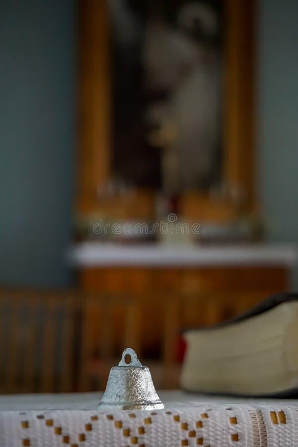 Bell alla chiesa luterana evangelica di Koknese immagini stock