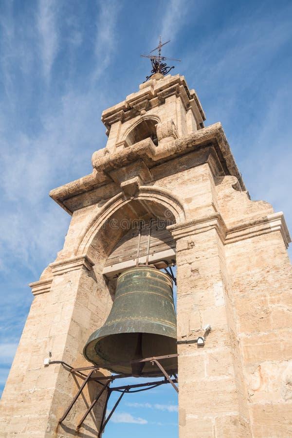 Bell auf Kathedralenturm in Valencia stockfotos