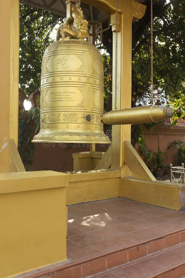 Bell dans le temple bouddhiste photos stock