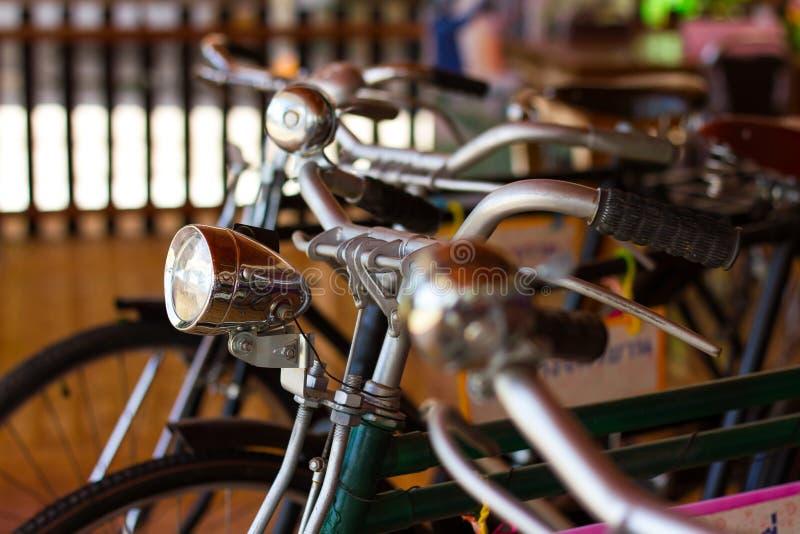 Bell e lampade, biciclette antiche fotografia stock libera da diritti