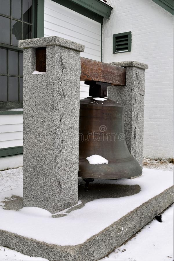 Bell am Fort Williams Park nahe Portland-Kopf-Licht, Kap Eiizabeth, Cumberland County, Maine, Vereinigte Staaten Neu-England US lizenzfreie stockfotos