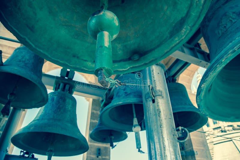 Bell im Glockenturm lizenzfreies stockfoto