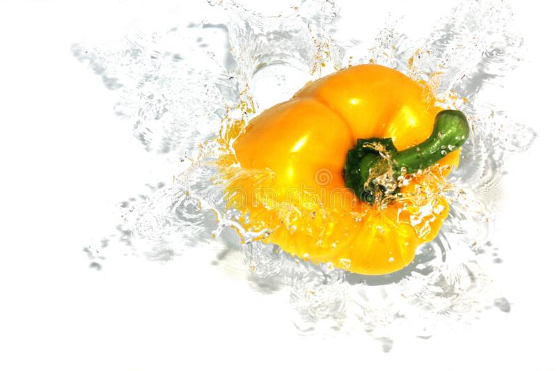 Bell Pepper In Water Free Public Domain Cc0 Image