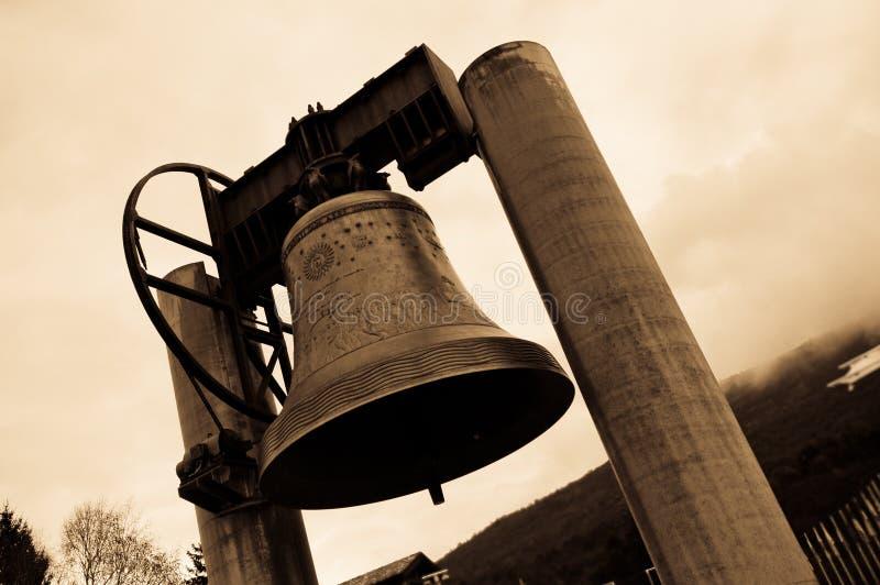 Bell Spadać obrazy stock