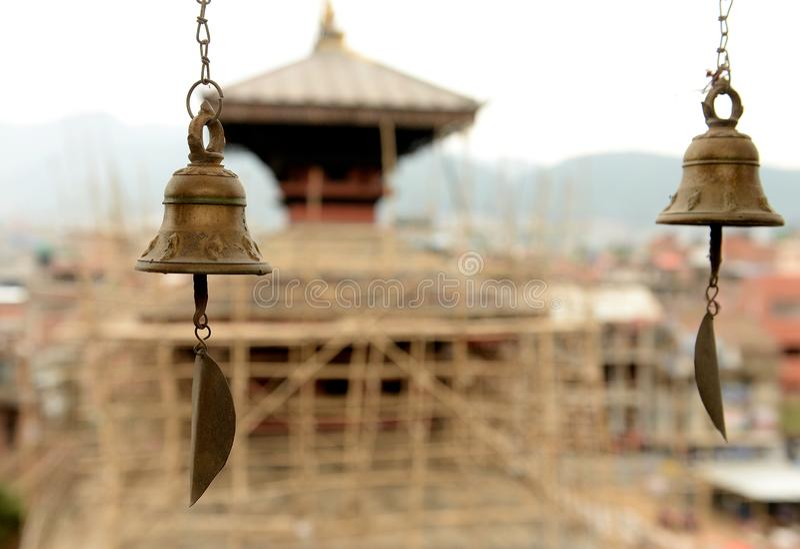 Bell am Tempel in Kathmandu lizenzfreie stockfotos