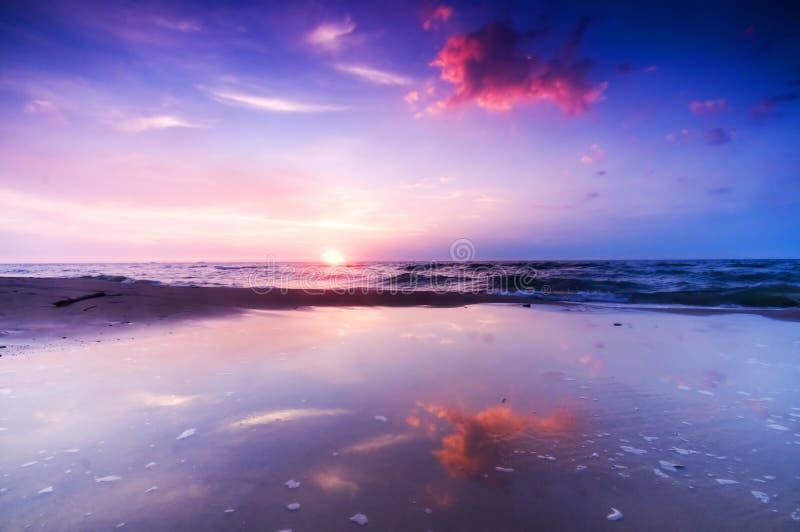 Bella alba del mare immagini stock libere da diritti