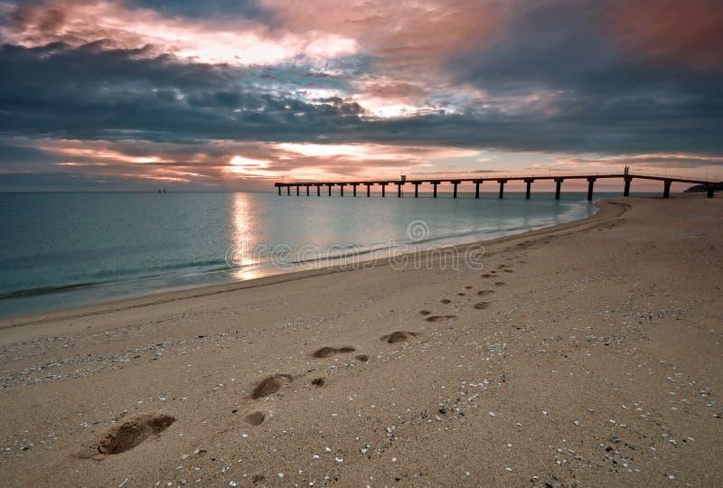 Bella alba del mare immagini stock