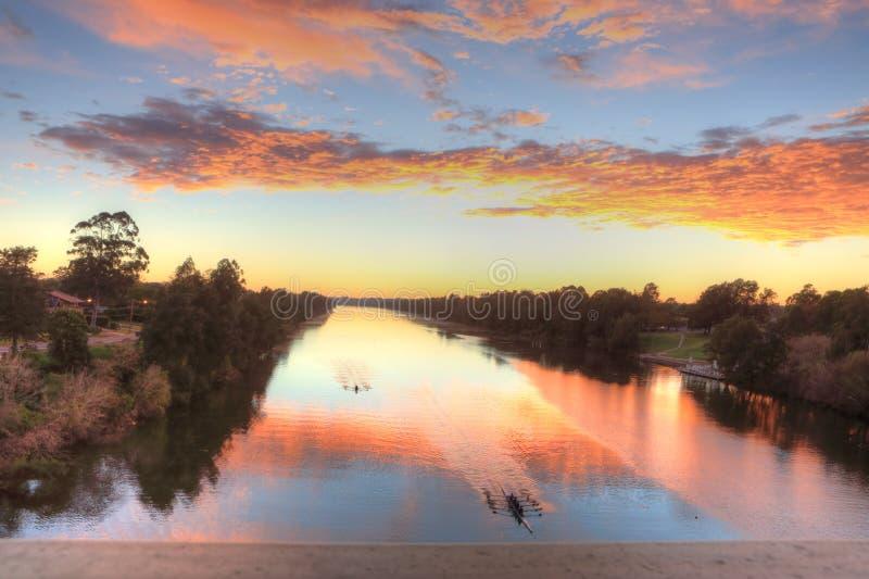 Bella alba sopra il fiume di Nepean in Penrith immagine stock