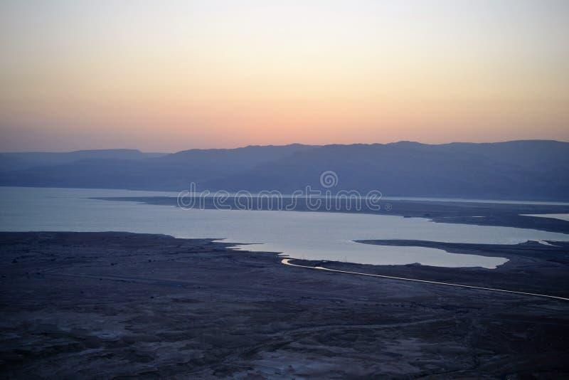 Bella alba sopra la fortezza di Masada Rovine del palazzo di re Herod nel deserto di Judean, Israele immagine stock libera da diritti