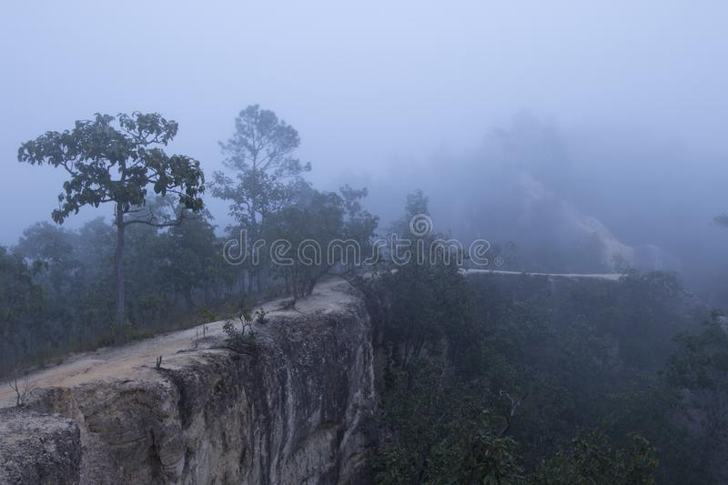 Bella alba sopra la foschia ad Yun Lai Viewpoint, Pai Thail fotografie stock libere da diritti
