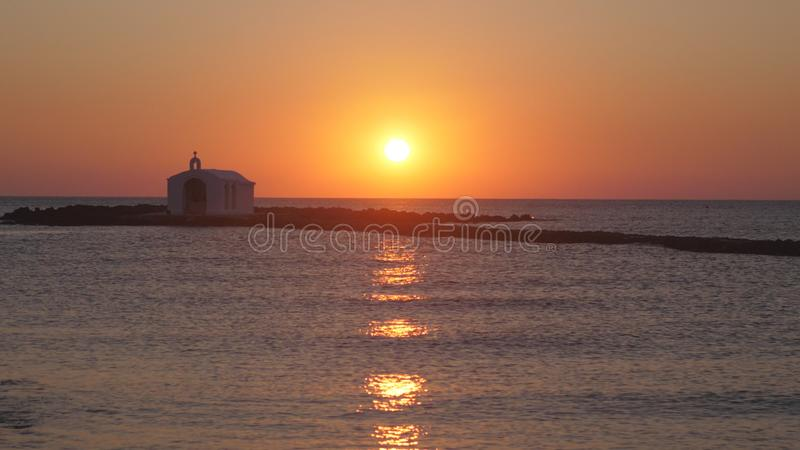 Bella alba sul mare fotografie stock