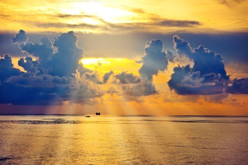 Bella Alba Sul Mare O Sull Oceano Immagine Stock