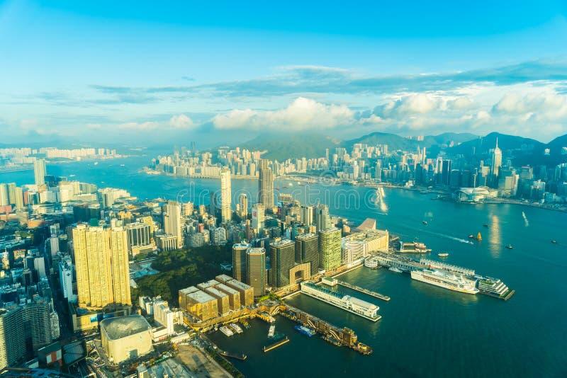 Bella architettura che sviluppa paesaggio urbano esteriore dell'orizzonte della città di Hong Kong immagine stock libera da diritti