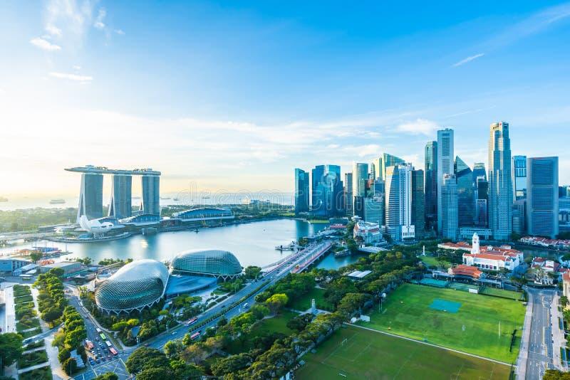 Bella architettura che sviluppa paesaggio urbano esteriore nell'orizzonte della città di Singapore fotografia stock libera da diritti
