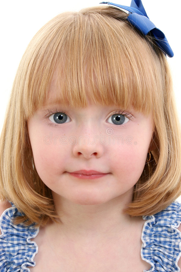 Download Bella Bambina Con I Capelli Biondi Della Fragola Immagine Stock - Immagine di background, nose: 208283