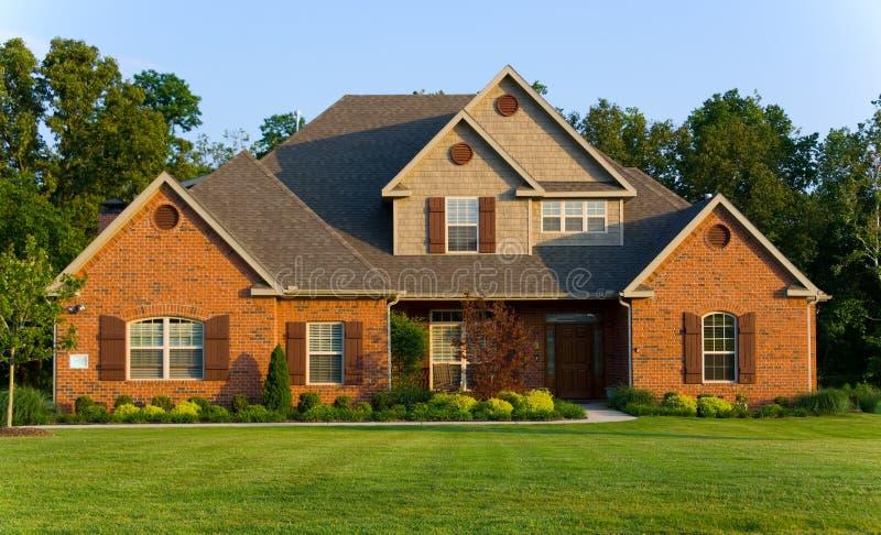 Bella casa - proprietà fotografie stock libere da diritti