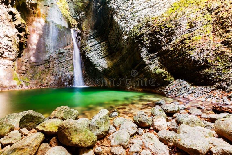 Bella cascata di Kozjak, Slovenia fotografia stock