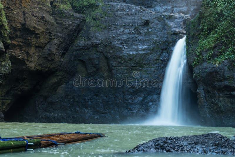 Bella cascata di Pagsanjan ad estate fotografie stock libere da diritti