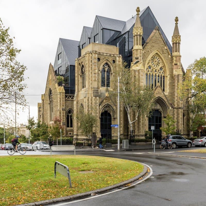Bella chiesa all'intersezione della via di Hotham e di Powlett a Melbourne orientale, Australia fotografia stock libera da diritti