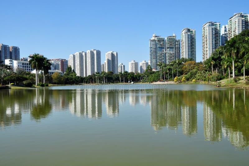 Bella città universitaria dell'università di Shenzhen fotografie stock libere da diritti