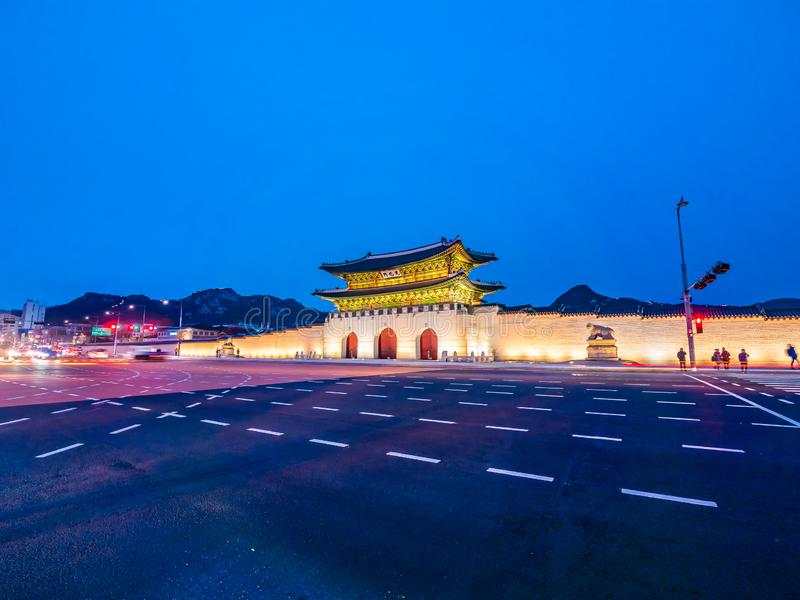 Bella costruzione di architettura del palazzo del gyeongbokgung immagine stock libera da diritti