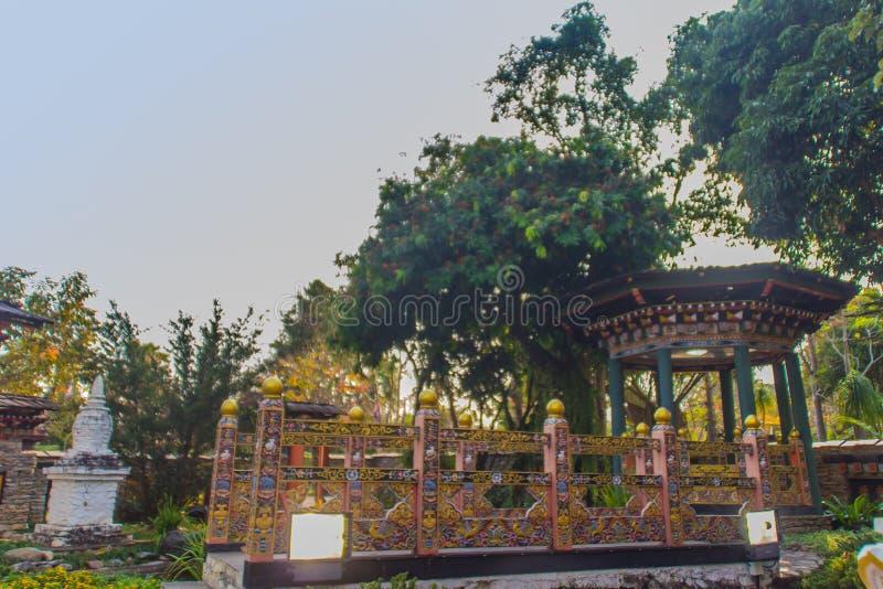Bella decorazione al parco pubblico, Flora Rajapruek reale, Chiang Mai, Tailandia del padiglione del Bhutanese immagine stock libera da diritti