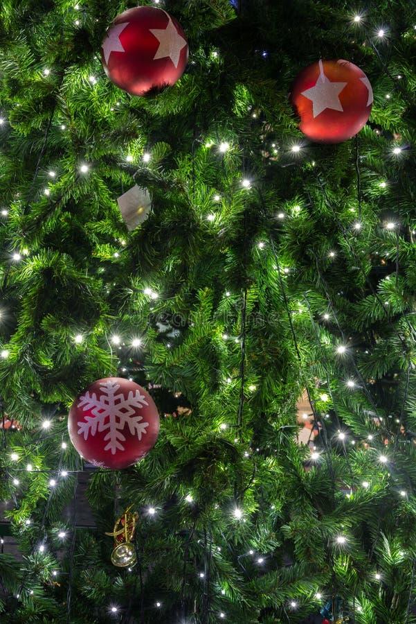 Bella decorazione dell'albero di Natale fotografia stock