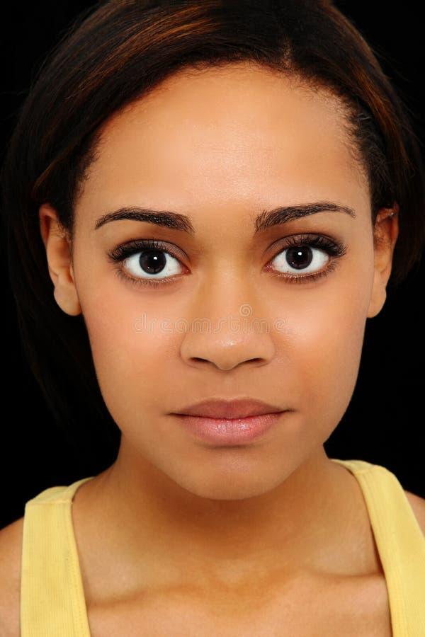 Bella di venti anni della donna di colore fine in su immagine stock libera da diritti