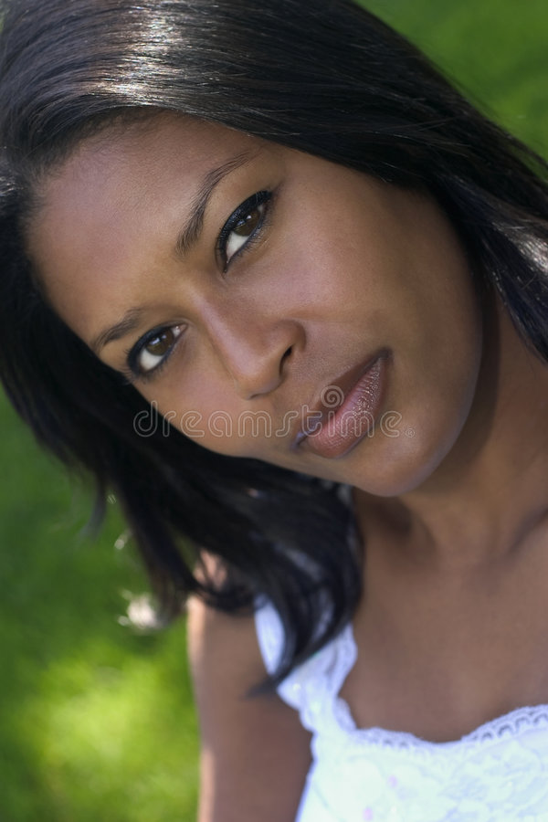 Download Bella donna fotografia stock. Immagine di etnico, attraente - 205832