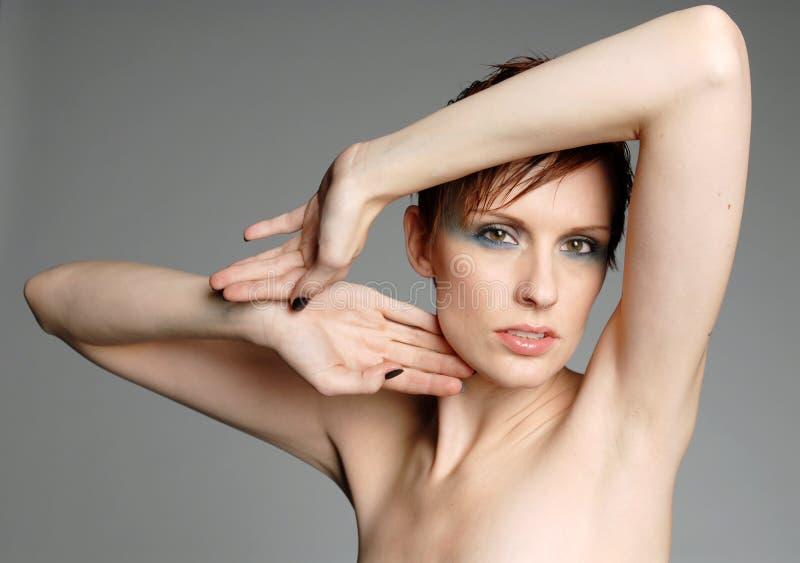 Download Bella donna immagine stock. Immagine di modo, faccia, corpo - 3889247