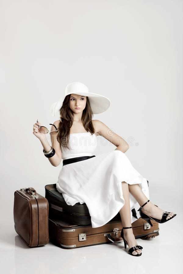 Bella donna alla moda fotografia stock libera da diritti
