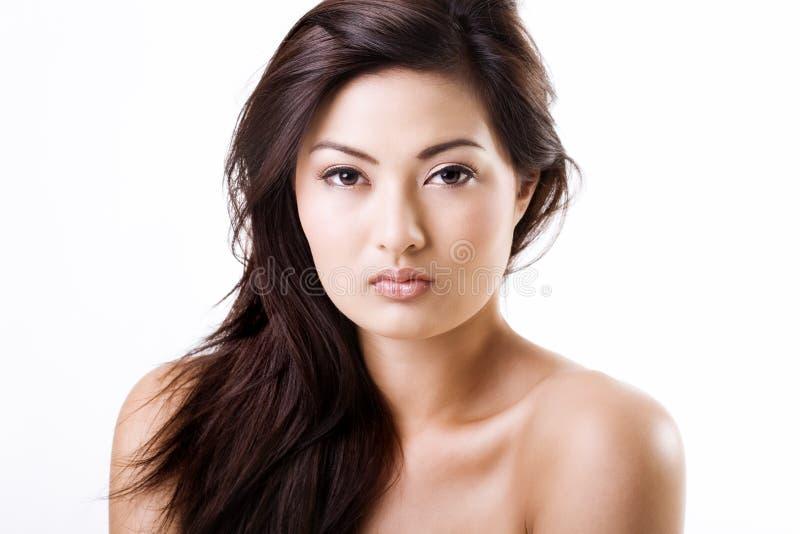 Bella donna asiatica con trucco naturale fotografie stock