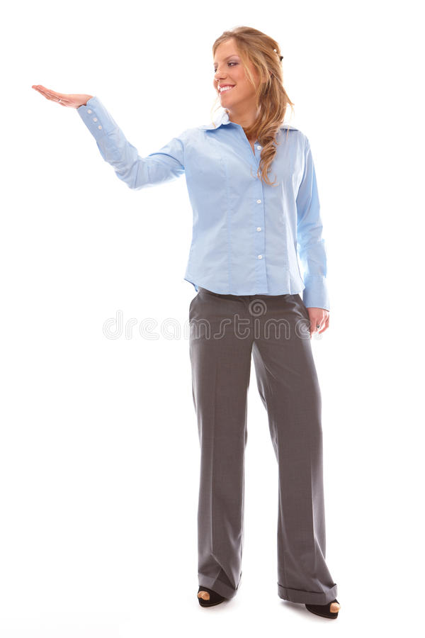 Bella donna che mostra qualcosa sulla palma immagini stock libere da diritti
