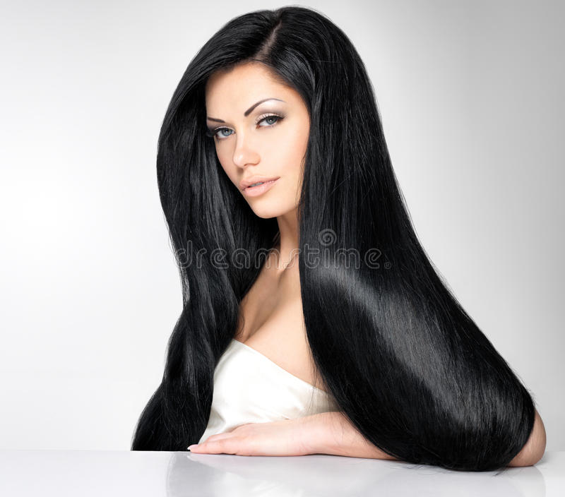 Bella donna con capelli diritti lunghi fotografie stock libere da diritti