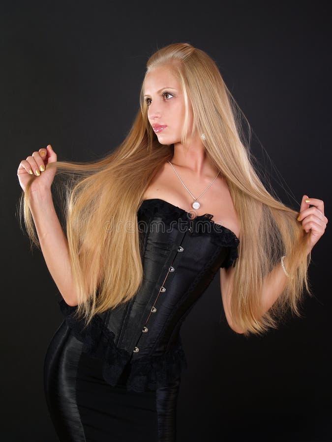 Bella donna con capelli lunghi perfetti immagini stock libere da diritti