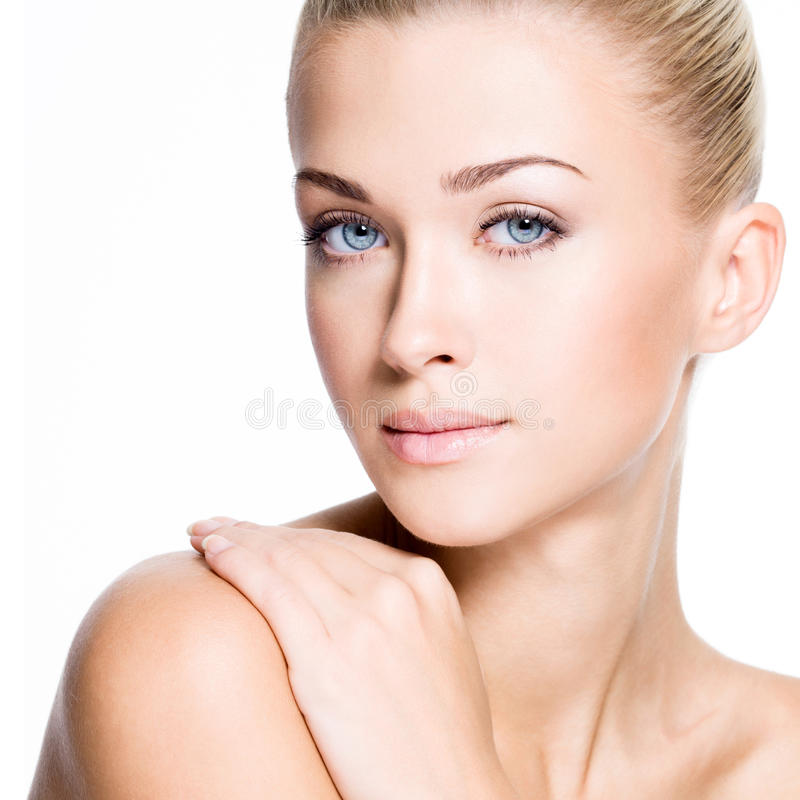 Bella donna con il fronte di bellezza - isolato fotografia stock