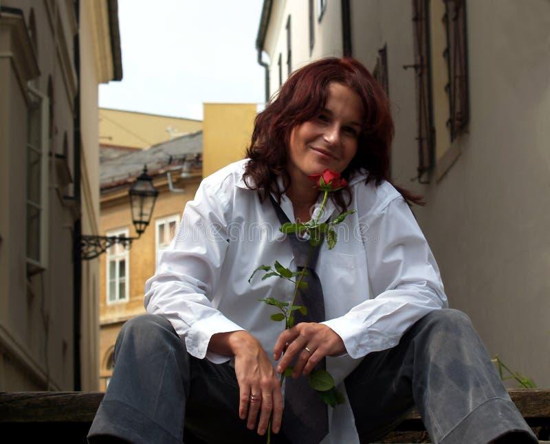 Bella donna con Rosa fotografie stock libere da diritti