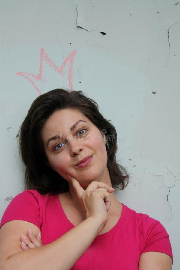 Bella donna con una corona fotografia stock