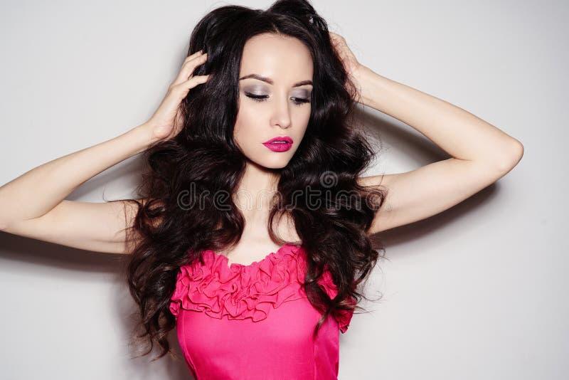 Bella donna del Brunette fotografie stock