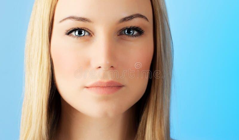Bella donna del fronte immagini stock